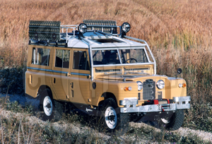 1961 Land Rover 109 Series IIa Station Wagon (prepared for full expedition use) - Cooper Technica Chicago